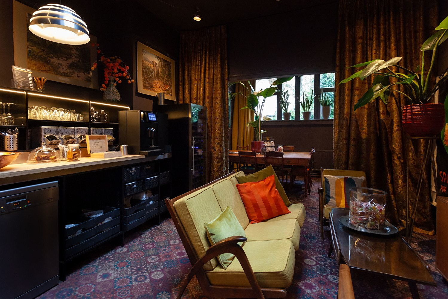 Hotel Staats Haarlem honesty bar
